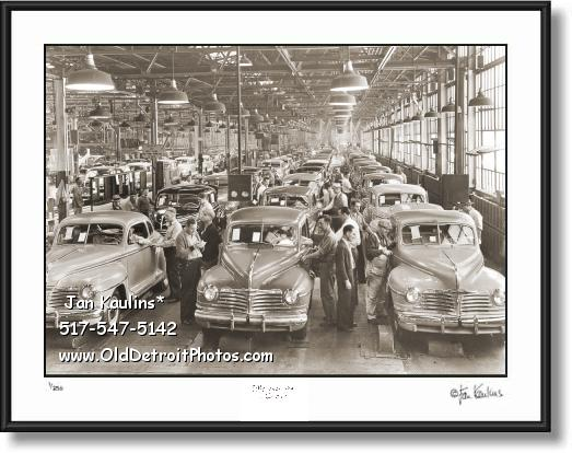 Click on this image to see an enlarged view of 1942 CHRYSLER PLYMOUTH PLANT assembly line.