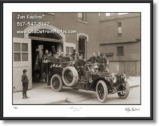 OLD DETROIT FIRE DEPARTMENT 1911 Packard