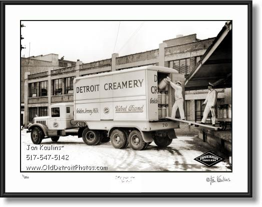 Click on this image to see an enlarged view of DETROIT CREAMERY Velvet Brand photo print.