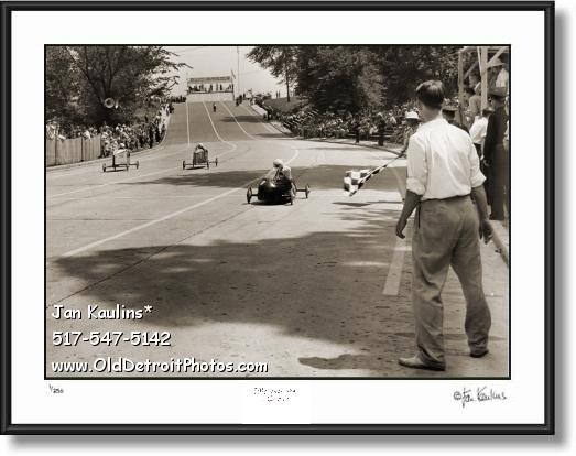 Click on this image to see an enlarged view of SOAP BOX DERBY DETROIT 1941 photo print.