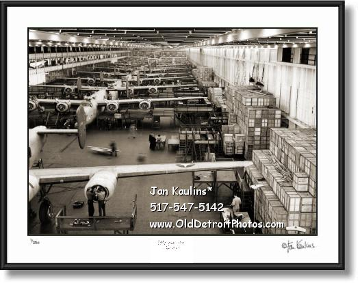 WILLOW RUN B-24 Bomber Assembly Line photo