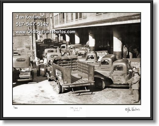 DETROIT TIMES Newspaper Delivery Trucks 1950