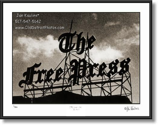 Click on this image to see an enlarged view of DETROIT FREE PRESS BUILDING MARQUEE photo.