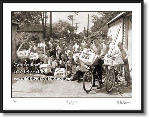 Click on this image to see an enlarged view of Detroit Newsboys WWII 1943 photo picture print.