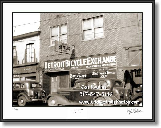 Click on this image to see an enlarged view of Old DETROIT BICYCLE SHOP 1938 photo picture.