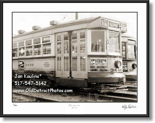 Click on this image to see an enlarged view of EDGEWATER PARK Detroit Streetcar 1941 photo.