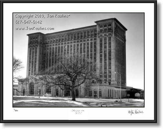 Click on this image to see an enlarged view of MICHIGAN CENTRAL DEPOT black white Detroit .