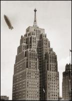 Click on this image to see an enlarged view of PENOBSCOTT BLDG DETROIT 1933 dirigible photo.