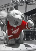 Click on this image to see an enlarged view of Detroit Tiger Statue Red Wings Jersey photo print.